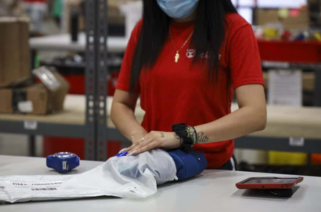 packing and kitting in manufacturing